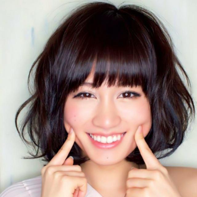 ニッコリ笑顔の前田敦子