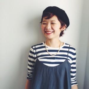出典:http//img.trill.cs,ap,e2.ycloud.jp/ ボーイッシュな印象のショートカットですがベレー帽+片耳出しで女の子っぽくcuteに♪